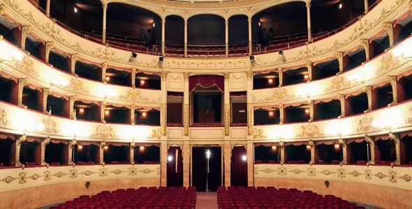 Teatro Pergola Firenze. Il Restauro della platea e della Libreria dei lettori testimoniano la grande attenzione dell'amministrazione per la cultura