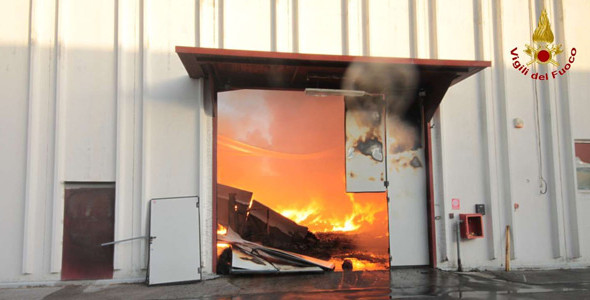 """Incendio Prato: """"Tragedia fabbrica cinese è frutto dell'indifferenza e di interessi privati"""""""