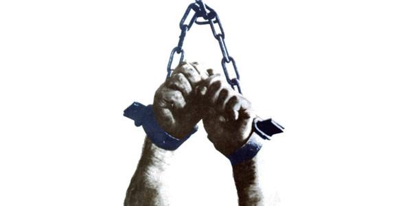 Oggi la giustizia fa un passo avanti. La tortura sarà reato anche in Italia