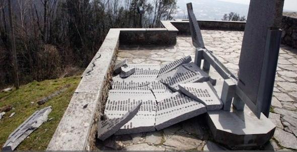 Distrutto il Parco Nazionale della Pace di Sant'Anna di Stazzema