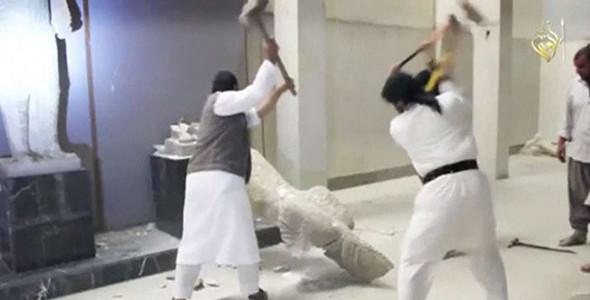 Parlamento Europeo: distruzione del patrimonio culturale è crimine di guerra e contro l'umanità