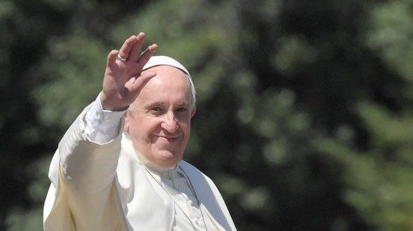 """Papa Francesco: """"Sono profondamente commossa per il gesto di Barbiana, le sue parole sono una lezione quanto mai attuale"""""""