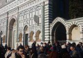 """""""E questo è il fiore"""". Tanti a Firenze per il presidio contro il fascismo"""