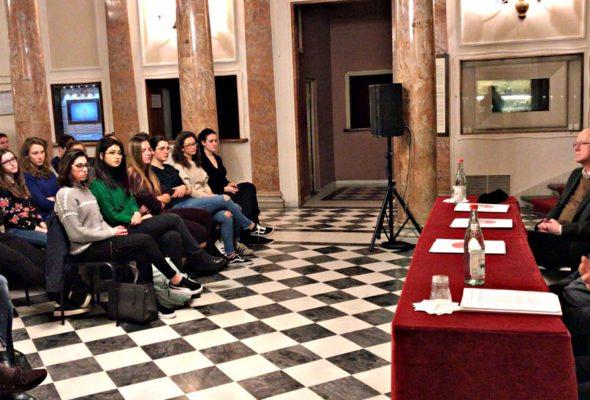 """Alternanza scuola-lavoro. """"Il progetto Teatro della Toscana avvicina i giovani ai classici rendendoli protagonisti"""""""